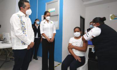 Quintana Roo, primer estado en cumplir con meta de vacunación contra COVID