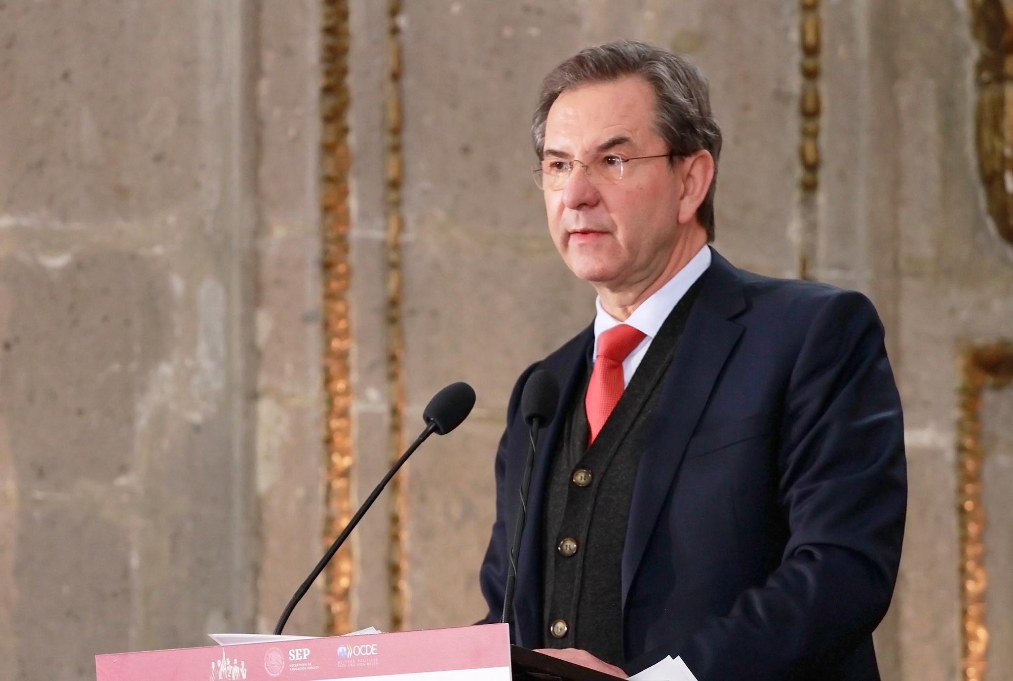 Ya es oficial; ratifican a Esteban Moctezuma como embajador de México en EU