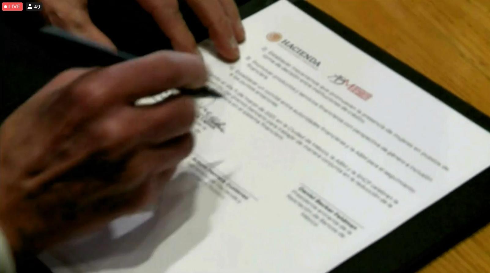 Bancos y Hacienda firman convenio para reducir la brecha de género