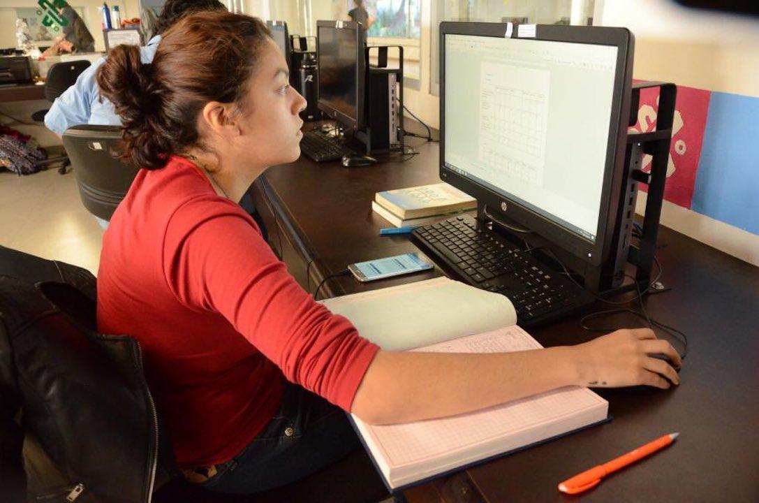Mujer trabajadora / comercio electrónico / Gobierno de CDMX