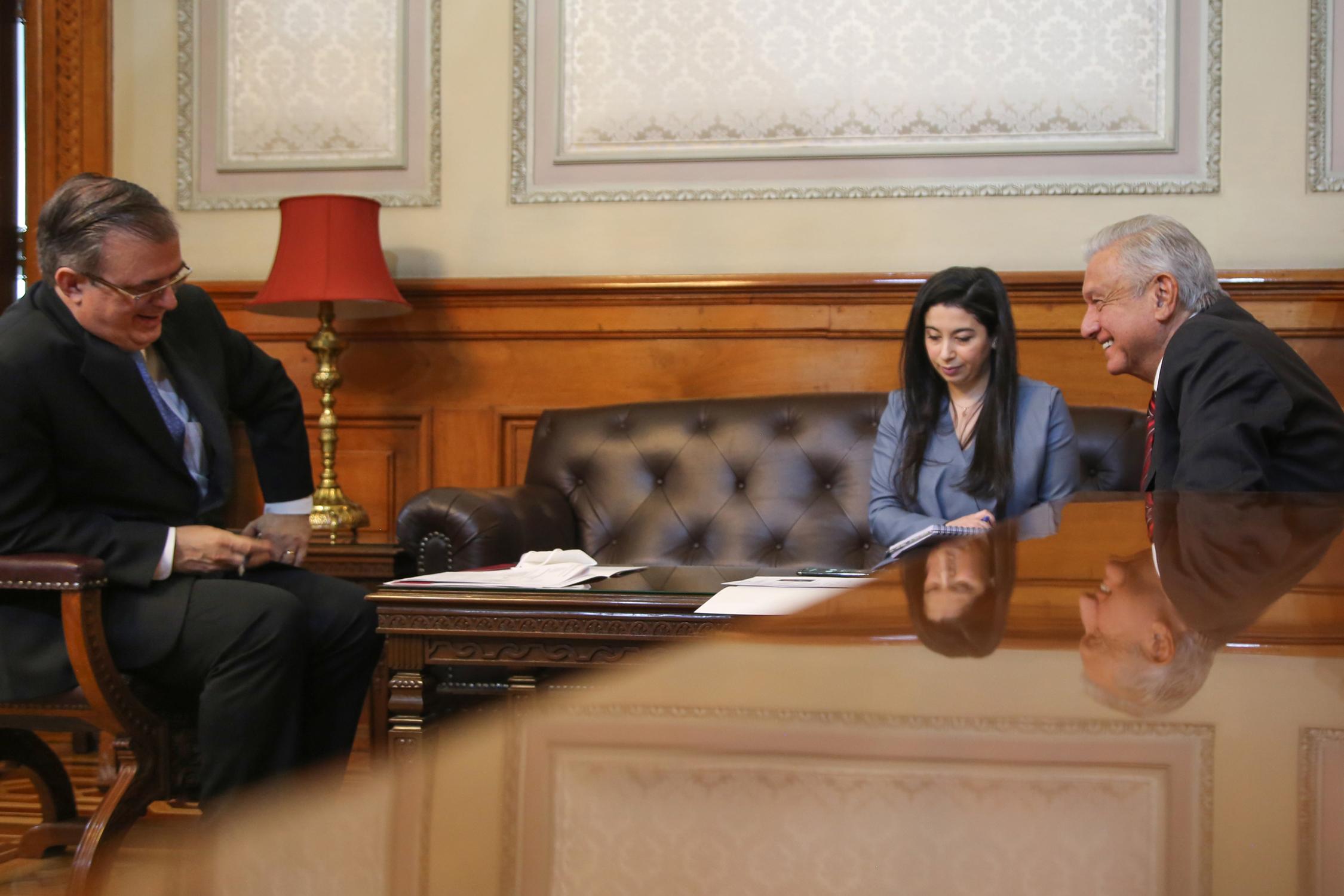AMLO tiene su primera llamada con Kamala Harris; discuten crisis migratoria