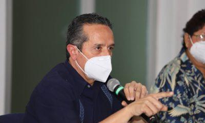"""Quintana Roo está en """"riesgo inminente"""" de volver a confinamiento, advierte gobernador"""