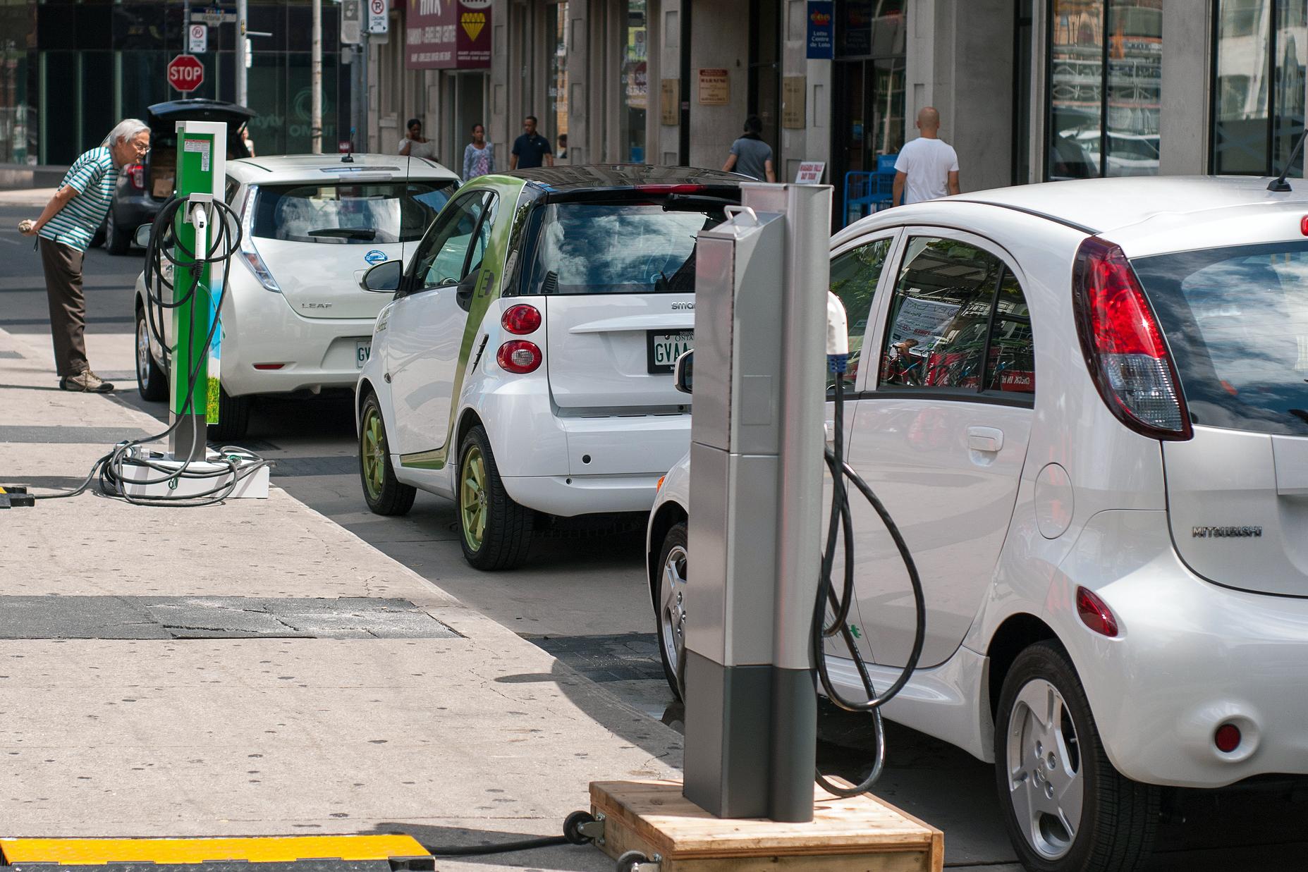 EU le apostará miles de millones de dólares a manufactura de vehículos eléctricos
