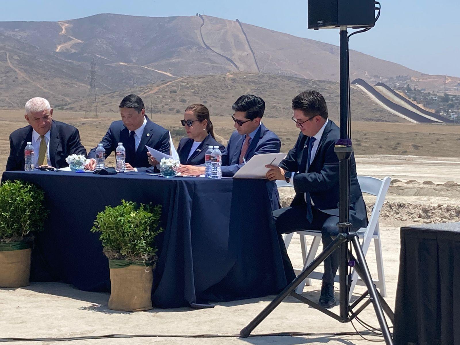 Firma de acuerdo México-EU sobre infraestructura fronteriza