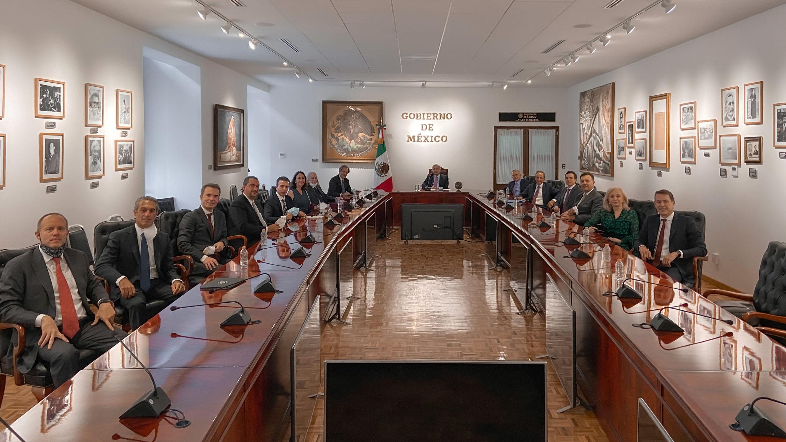 AMLO celebra primera reunión post-electoral con empresarios
