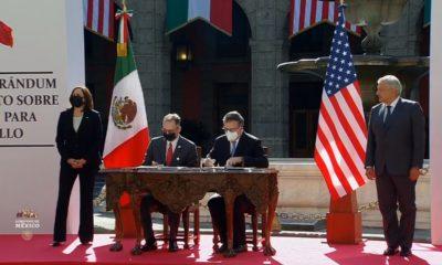 Kamala Harris y Andrés Manuel López Obrador en la firma de un memorándum de entendimiento