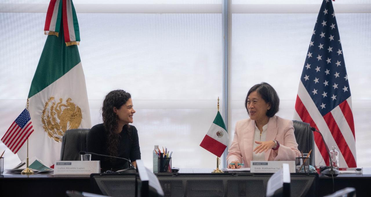 Luisa María Alcalde y Katherine Tai / STPS