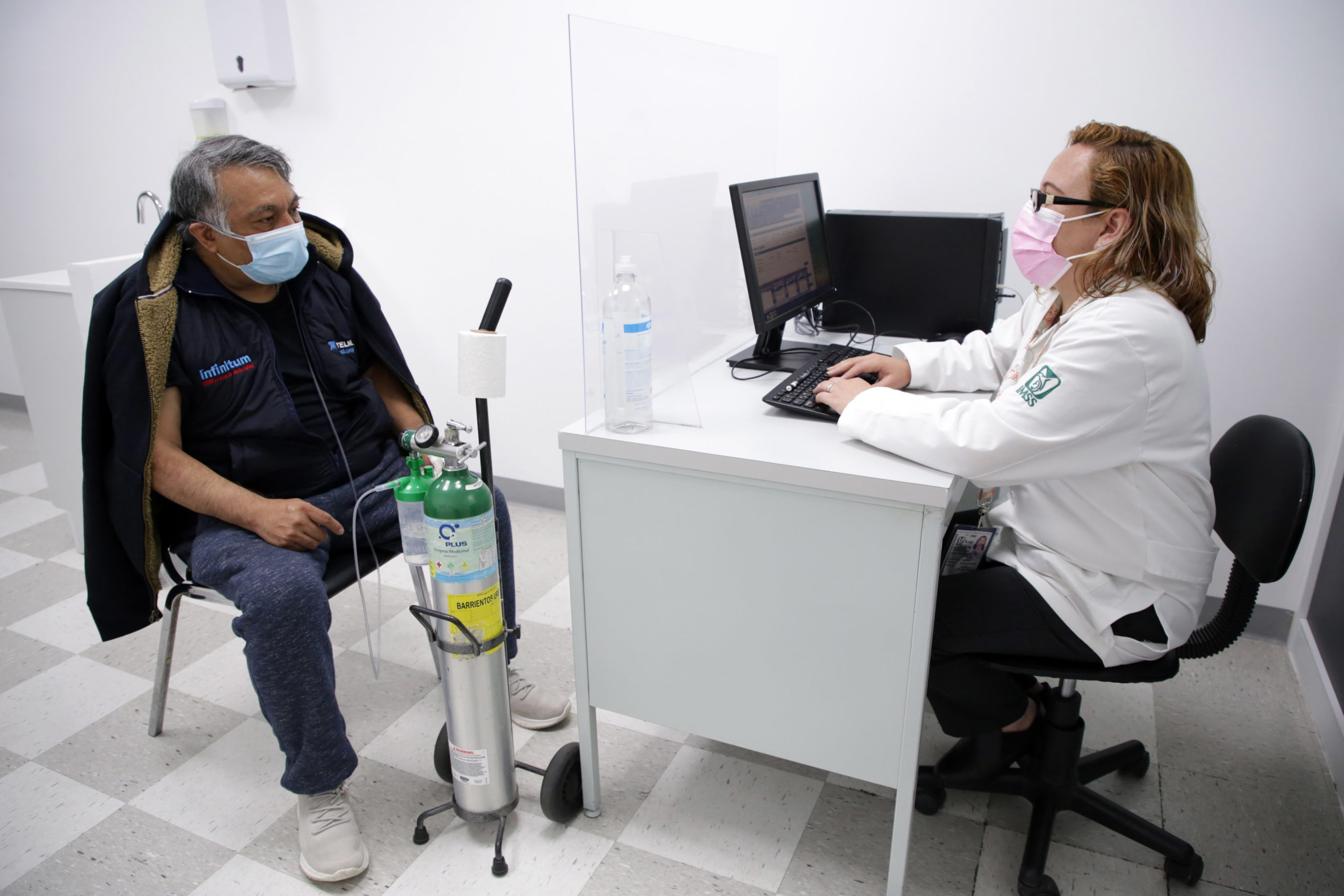 Atención de pacientes de Covid-19 / @Tu_IMSS