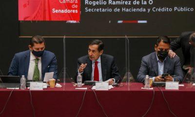 Rogelio Ramírez de la O con senadores de Morena