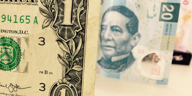 Cuando cambias dolares americanos por Rand sudafricanos